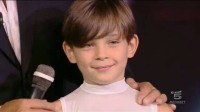 Piccolo albanese  Devis  Masini  che ama danza e calcio. Il giovanissimo talento di TU SI QUE VALES